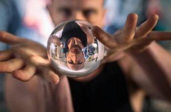 contact juggling ball